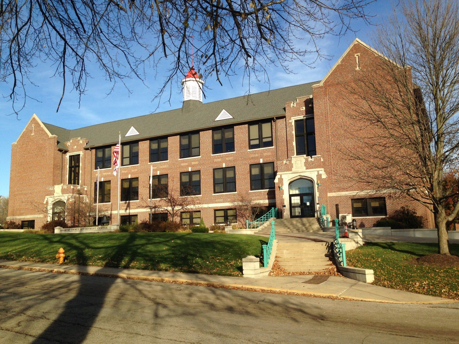 Hendricks County Admininistration Building Avon,IN - Building Wash, Tuckpoint, Sealant, Water Repellant